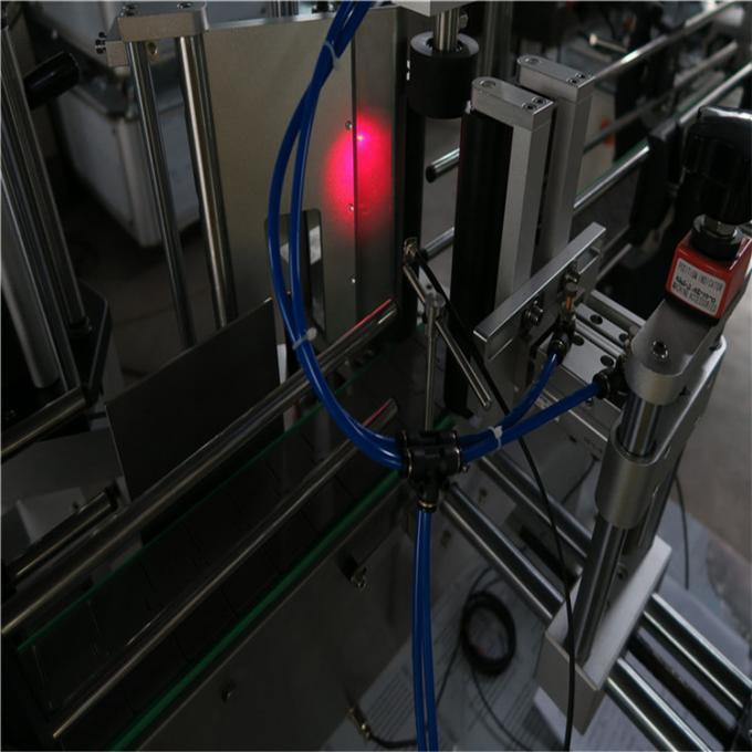 Шарап бөтелкесін жапсыруға арналған аппликатор машинасы, жоғары қуатты серво мотор, сыра бөтелкелеріне арналған затбелгі